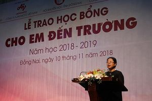 Ajinomoto tiếp tục sát cánh cùng học sinh nghèo hiếu học tỉnh Đồng Nai