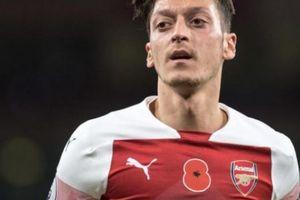 SỐC: Ozil từ chối mức lương triệu bảng vì... 'tình yêu' với Arsenal