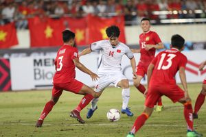 Công Phượng lọt vào top 4 cầu thủ chơi hay nhất lượt mở màn AFF Cup 2018