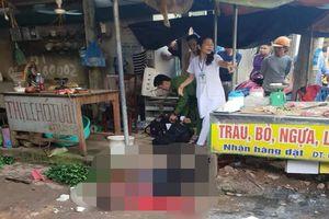 Nghi phạm mang 3 khẩu súng bắn chết cô gái bán đậu ở chợ đang nguy kịch