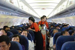 Hành khách Mỹ bỏ quên ba lô tiền trên máy bay khi tới TPHCM