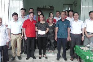 Đội tuyển U23 ủng hộ 45 triệu đồng làm nhà cho gia đình hộ nghèo ở Hà Tĩnh
