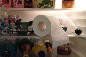 Thấy con dâu bỏ giấy ăn vào tủ lạnh, mẹ chồng định mắng 'phủ đầu' thì…