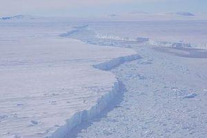 Phát hiện một 'thành phố băng trôi' khổng lồ ở Nam Cực