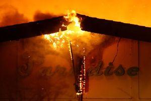 Chùm ảnh cơn bão lửa kinh hoàng xóa sổ thị trấn 'Thiên đường' ở California