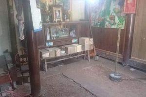 Tá hỏa vì đào được 24 ngôi mộ dưới nền nhà