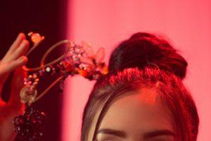 Tiểu Vy ma mị trong mv 'Lạc trôi' mang đến Miss World