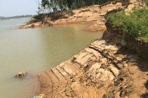 Thanh Hóa: Bắt giữ 3 tàu khai thác cát trái phép trên sông Mã