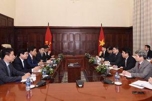 Cổ đông chiến lược tiềm năng của BIDV làm việc với Thống đốc
