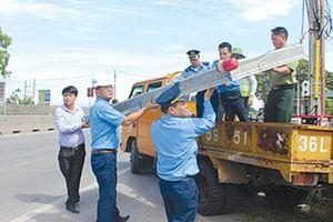 Phê bình lãnh đạo địa phương để vi phạm hành lang giao thông