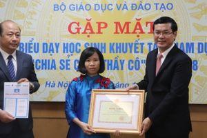 Bộ Giáo dục và Đào tạo gặp mặt thầy cô dạy trẻ khuyết tật