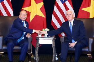 Thủ tướng Chính phủ Nguyễn Xuân Phúc tiếp xúc song phương bên lề HNCC ASEAN 33 và các HNCC liên quan