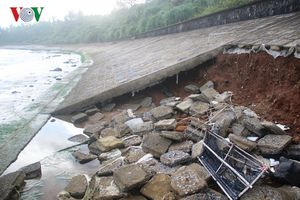 Sạt lở kè biển uy hiếp di tích lịch sử Quốc gia địa đạo Vịnh Mốc