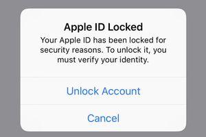 Người dùng iPhone ca thán bị khóa Apple ID