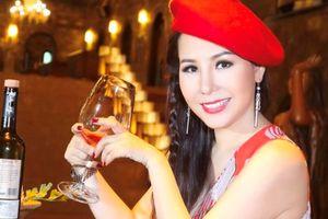 Bí quyết để tuổi 40 vẫn trẻ trung rạng rỡ của Nữ hoàng Kim Chi