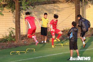 Đội tuyển Việt Nam được an ninh bảo vệ trước trận đấu gặp Malaysia