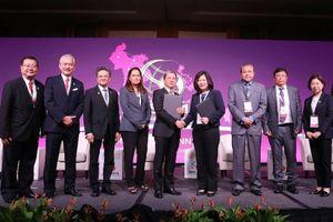 Tập đoàn T&T Group trao biên bản ghi nhớ với Tập đoàn YCH