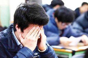 'Người lớn nhồi nhét trẻ khiến học tập thành áp lực quá lớn'