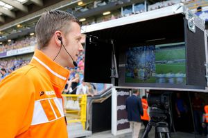Premier League sẽ sử dụng công nghệ VAR từ mùa giải tới