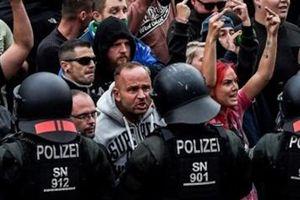 Đức đổi thái độ, rà soát lại triệu người tị nạn