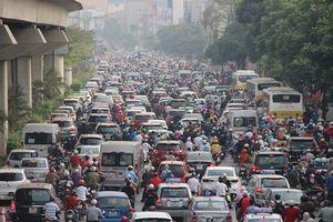 Xem '1,2 tỷ USD kẹt cứng' trên đường phố Hà Nội
