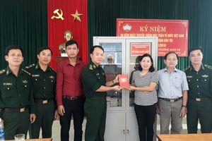 BĐBP Đà Nẵng trao tặng tủ sách pháp luật cho khu dân cư ven biển