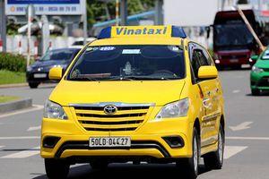 Cạnh tranh với Grab, doanh nghiệp Việt rút lui khỏi Vinataxi