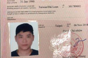 Du khách Đài Loan vẽ bậy ngay trung tâm TP.HCM, công an bắt xử lý liền
