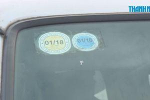 Nhồi nhét học sinh trên những chiếc xe đưa đón hết hạn đăng kiểm