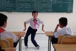 Bị cô giáo phạt, học sinh nhảy sành điệu như vũ công