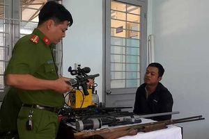 Đắk Lắk: Bắt thợ cắt tóc chế tạo hàng loạt súng quân dụng