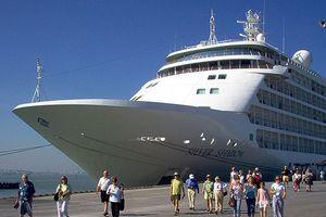 Nhiều hãng tàu du lịch biển tiếng tăm trên thế giới đã cập cảng Đà Nẵng