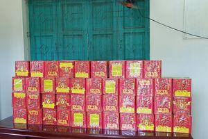 Phụ xe khách 'ôm' 39 kg pháo từ Lào về bán kiếm lời