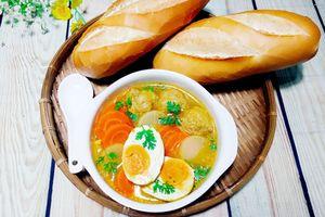 Cách nấu súp cà ri trứng muối thơm phức cho bữa sáng