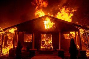 Số người thiệt mạng, mất tích do cháy rừng tại California tăng không ngừng