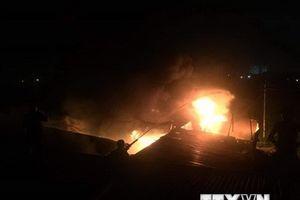 Cháy cửa hàng văn phòng phẩm tại Bình Dương, một người tử vong