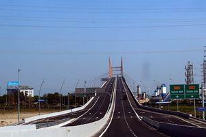 Cầu Bạch Đằng được bù vênh các vị trí không bằng phẳng vào tháng 12