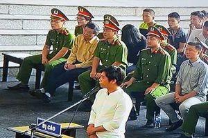 Xét xử ông Phan Văn Vĩnh: Từ 'Thần Bài' đến 'Bán Nhà Chơi Rik'