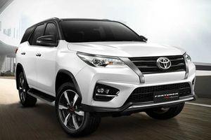 Toyota Fortuner TRD Sportivo 2 sắp trình làng, tiện nghi hơn