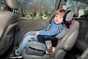 Lắp ghế ngồi trên ô tô cho trẻ em: 10 điều bạn cần biết