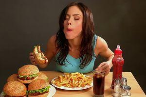 Thói quen ăn uống dễ gây bệnh ung thư hầu hết ai cũng mắc phải