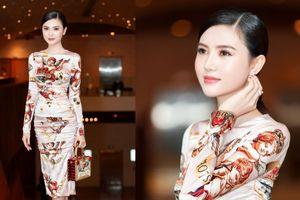 Ngọc Duyên diện váy hiệu trăm triệu, tươi tắn đọ sắc bên cạnh Hà Anh Tuấn