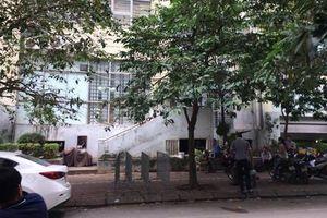 Hà Nội: Bé trai 5 tuổi rơi từ tầng 7 chung cư xuống đất