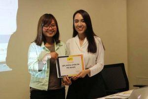 Cô giáo 9X tiên phong đưa kì thi tiếng Anh PTE đến học sinh Việt