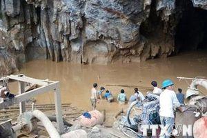 Hòa Bình: Thi thể nạn nhân cuối cùng trong hang đã được tìm thấy
