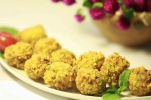 Xem người Bình Định biến trứng kiến vàng thành đặc sản ngon khó cưỡng