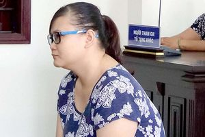 TP.HCM: Phạt 18 tháng tù đối với bảo mẫu bạo hành trẻ