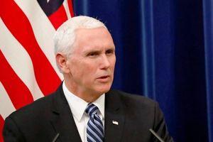 Chuyên cơ chở Phó tổng thống Mỹ bay qua Biển Đông, 'dằn mặt' Trung Quốc?
