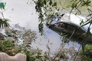 Điện Biên: Xe con lao xuống vực sâu, 3 người thương vong