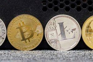 Bitcoin bị ồ ạt bán tháo vì 'nội chiến tiền mã hóa'?